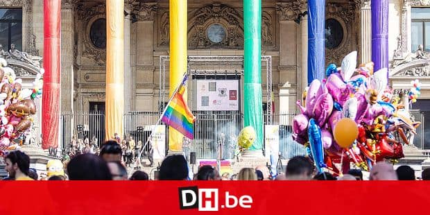 20140517 - BRUSSELS, BELGIUM: Illustration picture shows the Bourse / Beurs covered in the colors of the rainbow during the 19th edition of the 'Belgian Pride', a manifestation of lesbian, gay, bisexual and transgender oriented people, Saturday 17 May 2014 in Brussels. BELGA PHOTO SISKA GREMMELPREZ