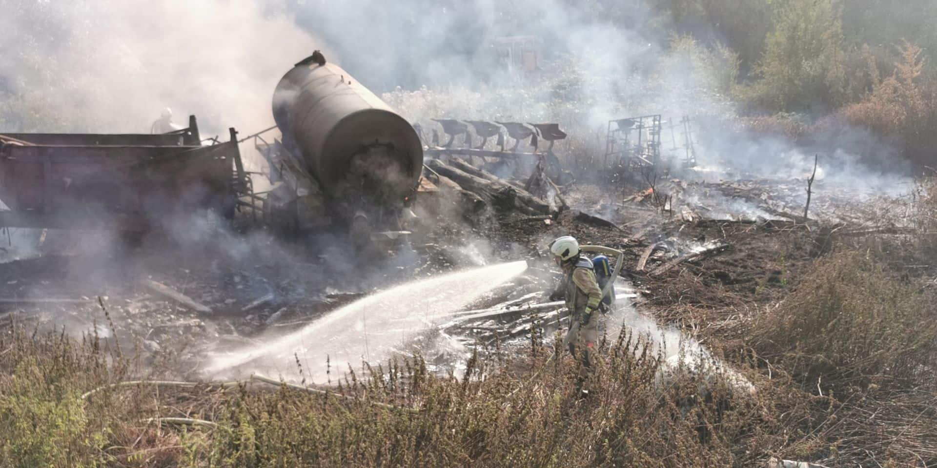 Important incendie dans un champ à Viesville: plusieurs machines agricoles ont brûlé