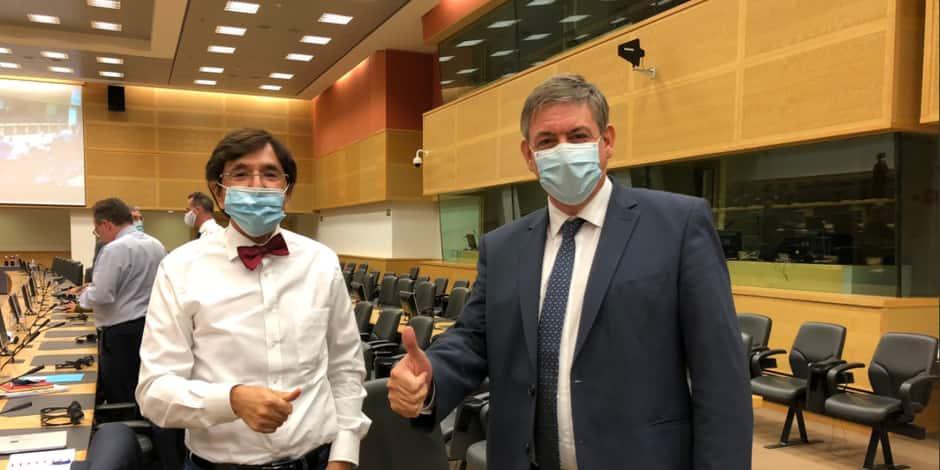 Elio Di Rupo et Jan Jambon se réconcilient après le comité de concertation