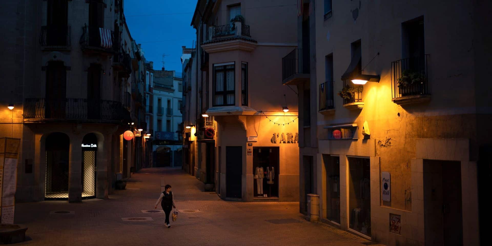 """La Catalogne confine 200.000 personnes à cause d'une """"croissance très importante du nombre de contagions"""""""