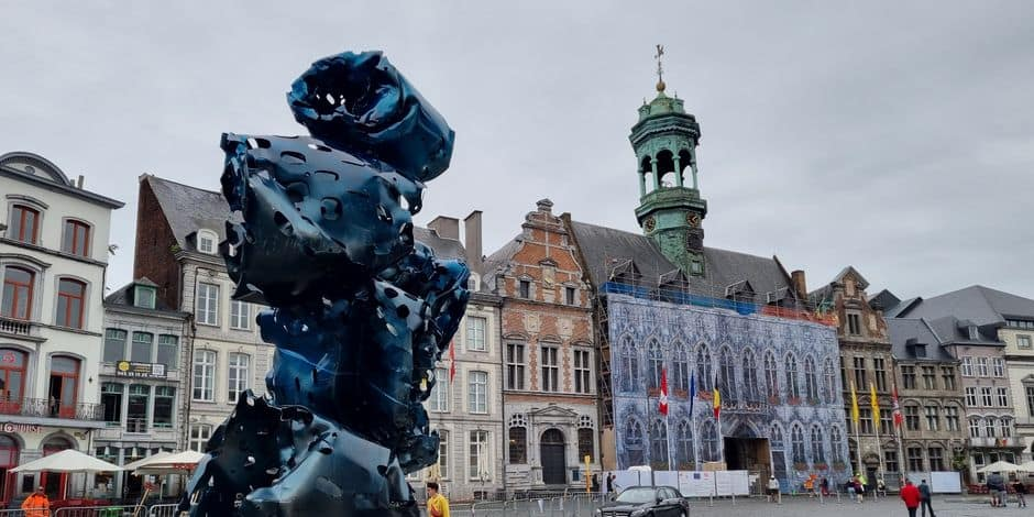 De nouvelles sculptures d'Arne Quinze débarquent à Mons