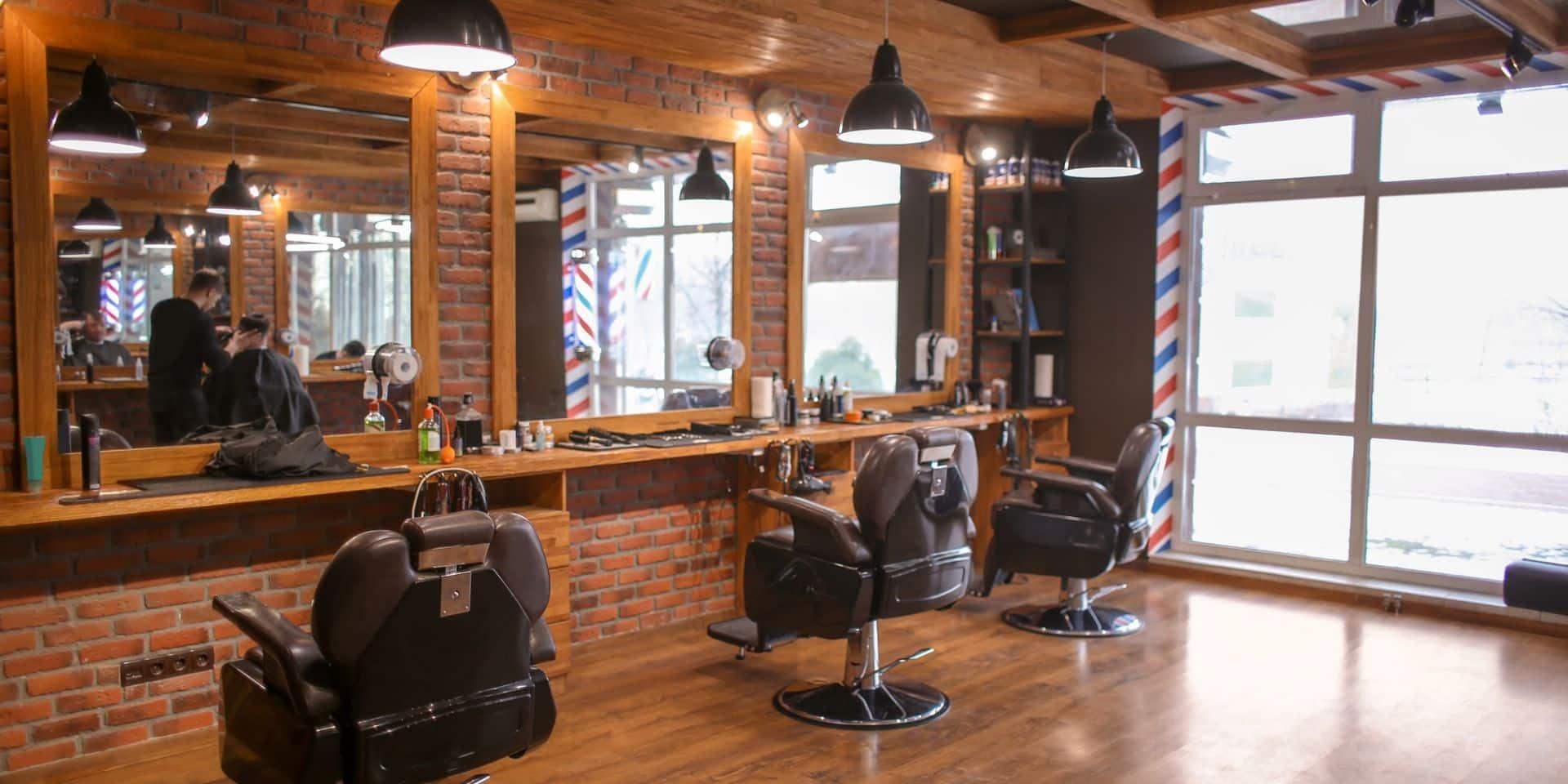 Les commerçants satisfaits, les coiffeurs déçus: réactions mitigées suite aux annonces du Comité de concertation