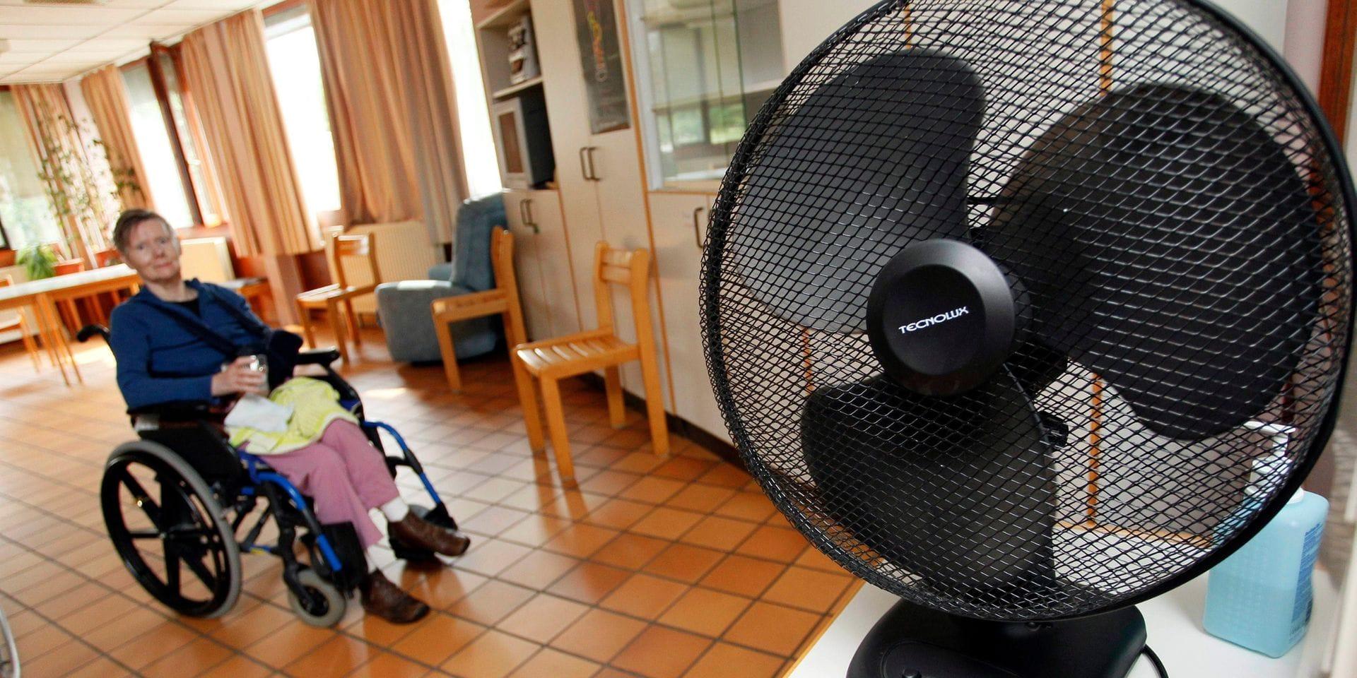Hydratation, ventilation, rafraîchissement: les recommandations 'canicule' pour les maisons de repos s'adaptent au Covid