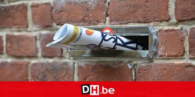 Boîte lettres courrier poste bpost publicité réclame prospectus brique