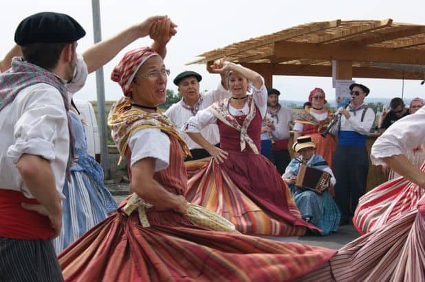 """Résultat de recherche d'images pour """"festival mondial de folklore de jambes-namur photos"""""""