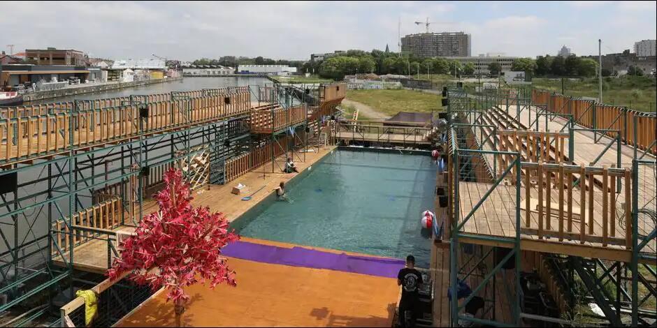Ouverture de la piscine en plein air Flow au bord du canal à Anderlecht