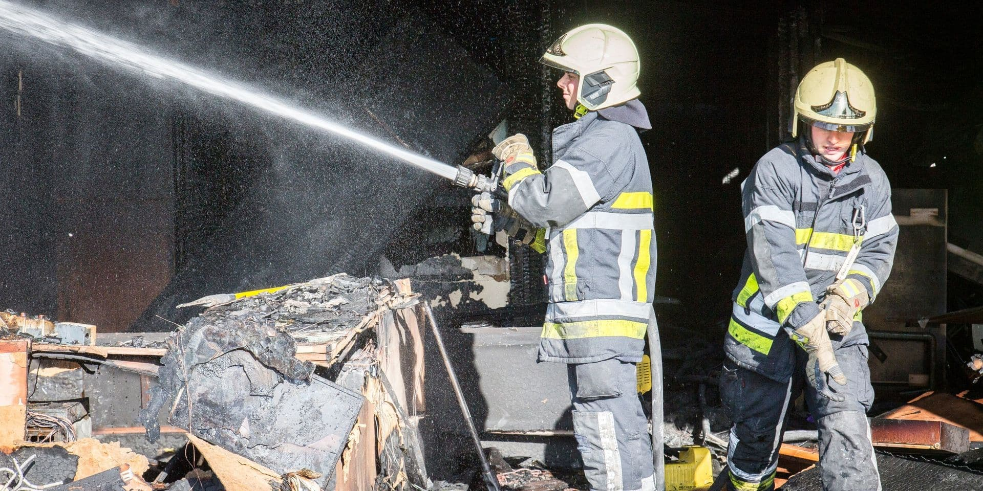 Hannut : incendie dans un entrepôt désaffecté