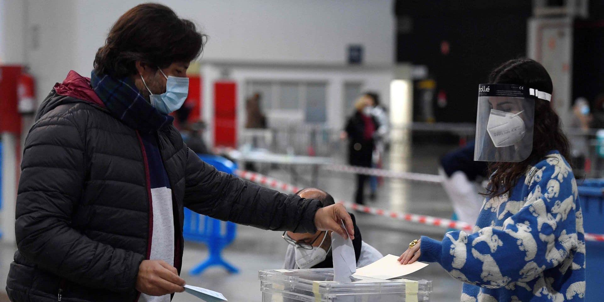 Des élections indécises en Catalogne sous le signe du Covid