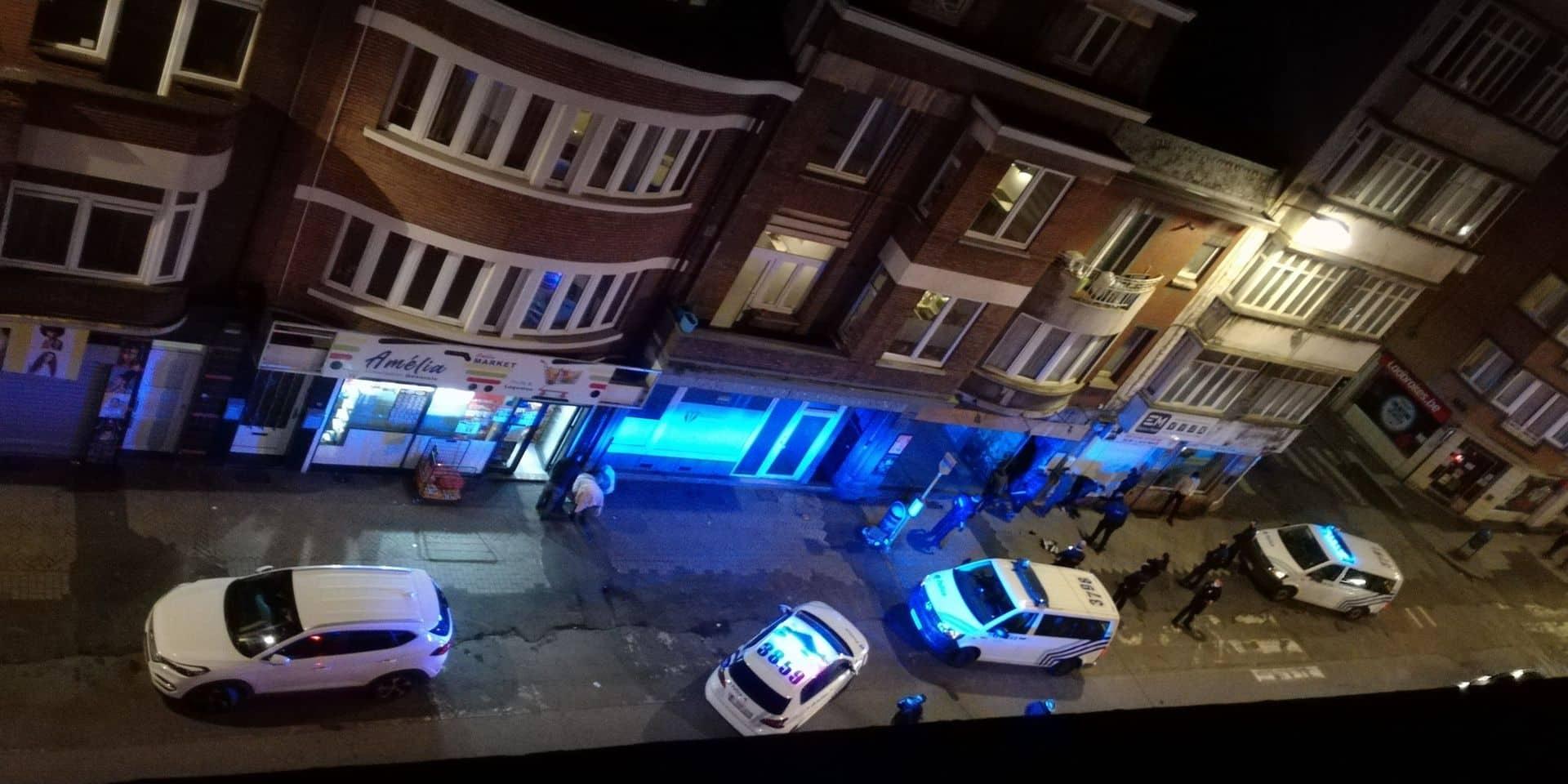 """Nouvelle opération """"anti-deal de rue"""" à la ville haute de Charleroi: huit personnes arrêtées, 38 g de drogues saisis"""