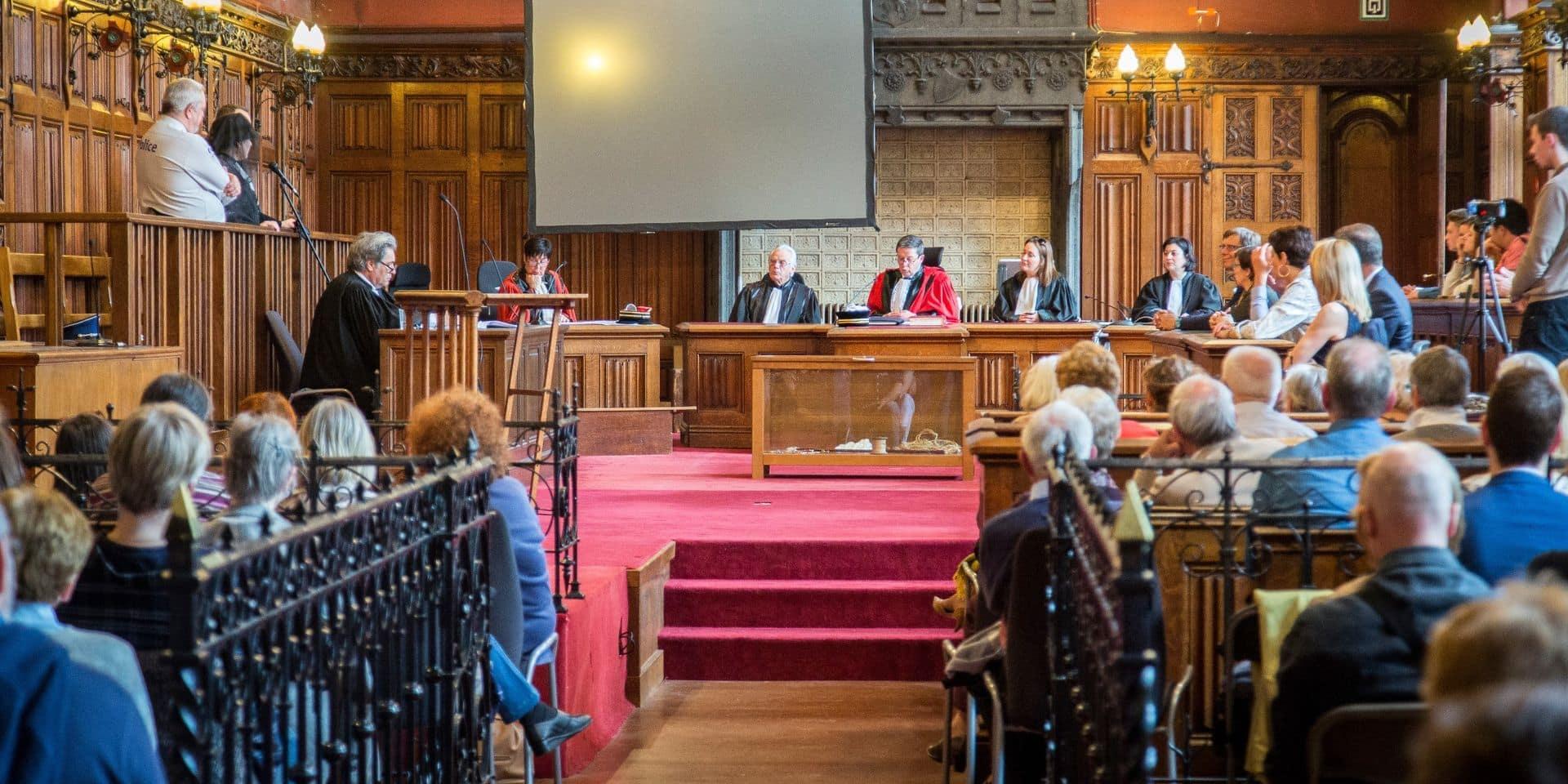 Assises Liège : le médecin légiste confirme que la victime a été égorgée de deux coups de couteau