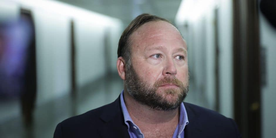 Apple retire l'app d'Alex Jones de l'App Store — Infowars