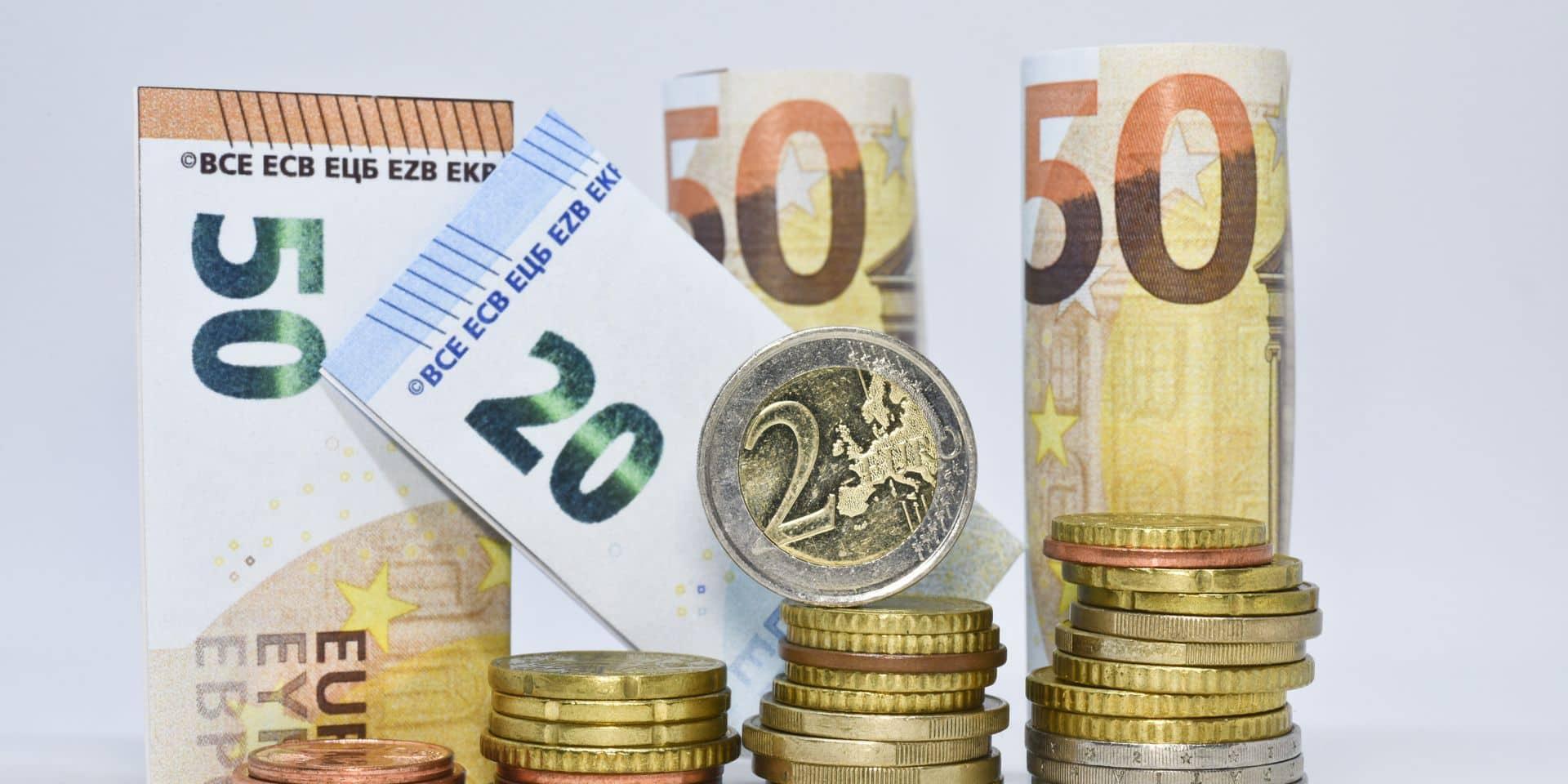 L'écart salarial entre hommes et femmes s'est réduit de ... 3 euros