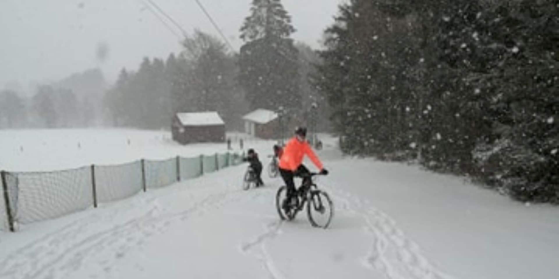 Retour de la neige : la Baraque de Fraiture prise d'assaut !