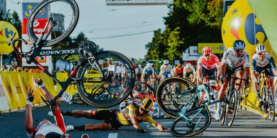 L'autre regard: en cyclisme ou en sports moteurs, des dérapages assassins