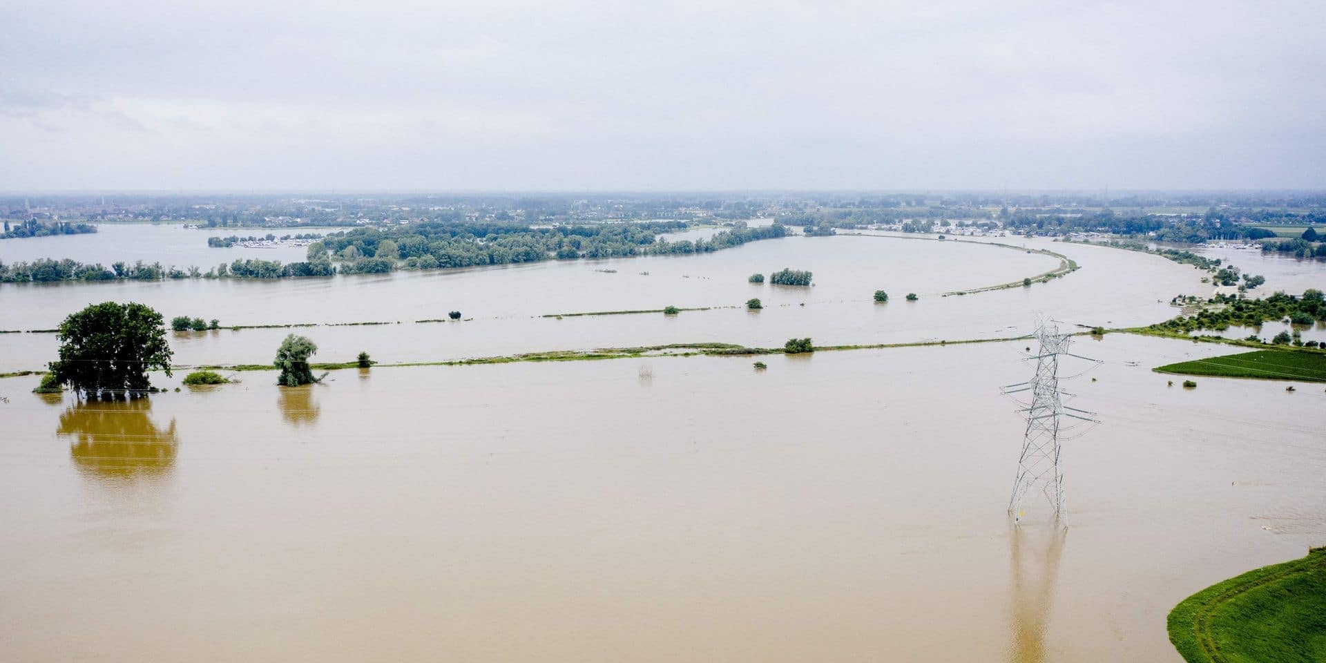 Intempéries : rupture d'une digue aux Pays-Bas sur le canal Juliana, appel à quitter le territoire
