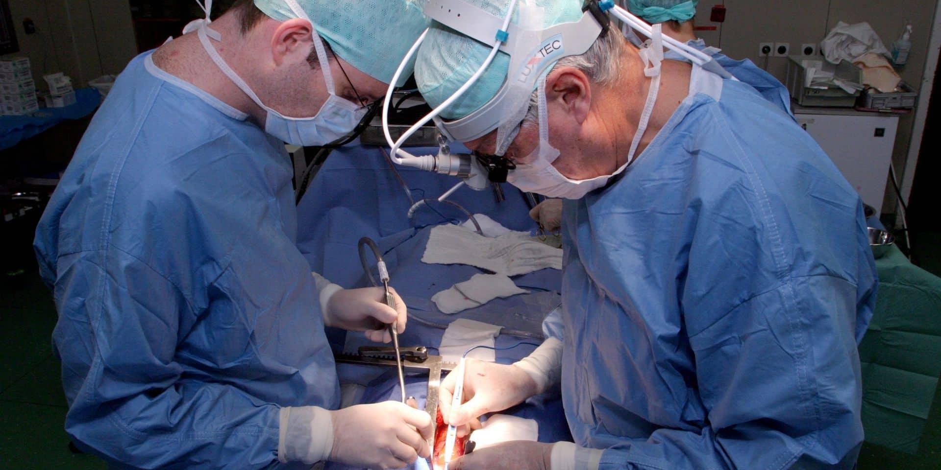 Une incision de 5 cm pour remplacer une opération à cœur ouvert?