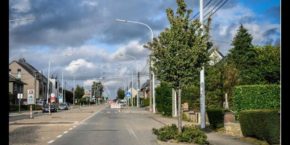 Chaussée de Louvain : les commerces voient rouge mais restent ouverts