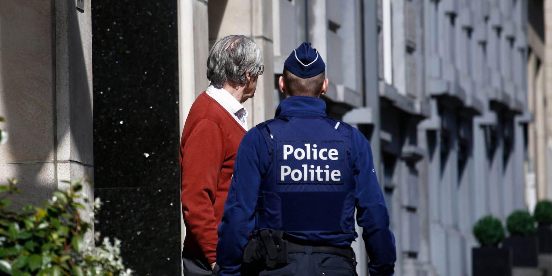 La police prend sur le fait 28 fêtards à Alost après une photo postée sur Facebook