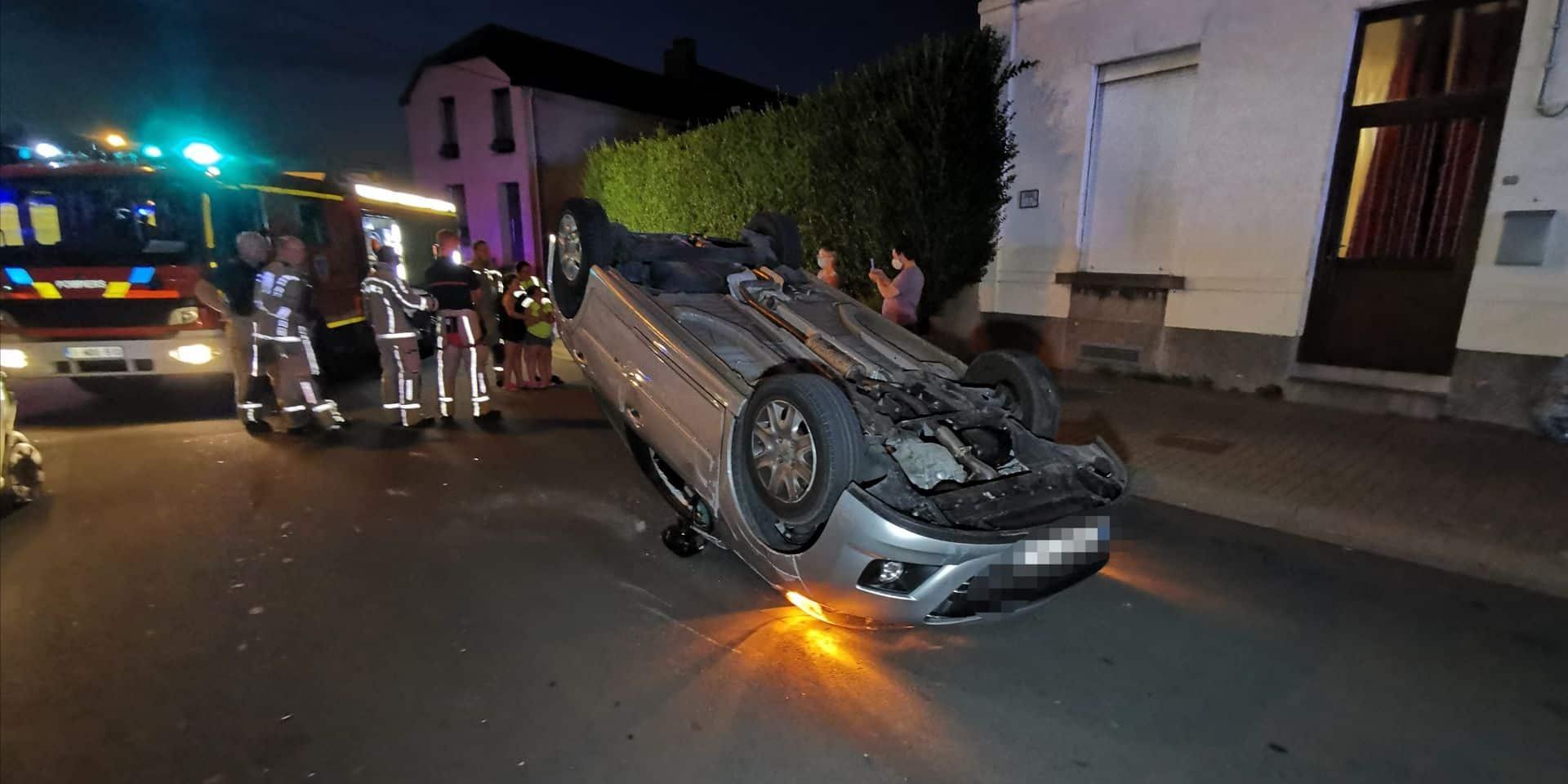 Carambolage à Ransart: une conductrice hospitalisée après s'être retournée en voiture