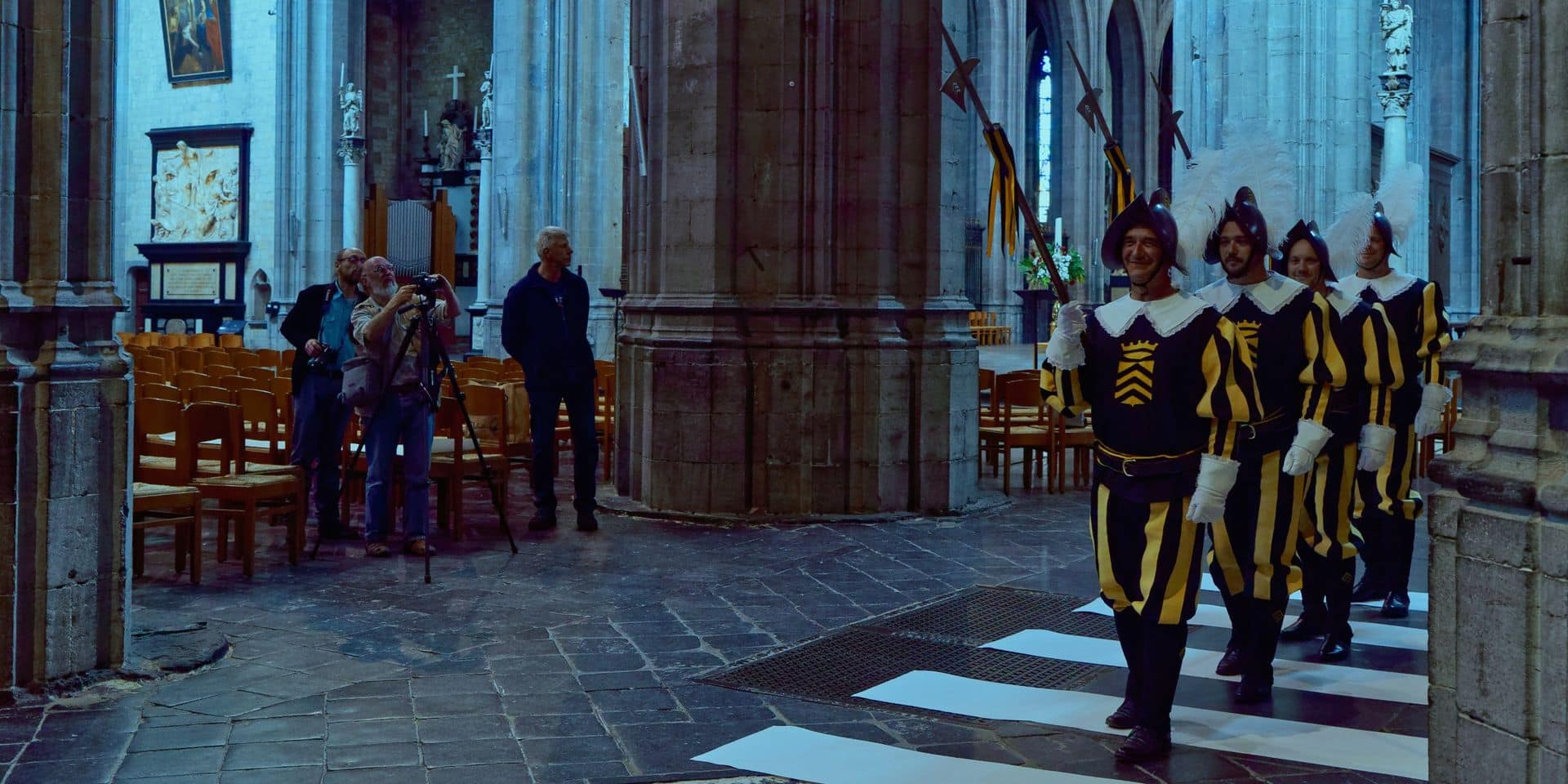 La procession du Car d'Or sur le passage des légendes
