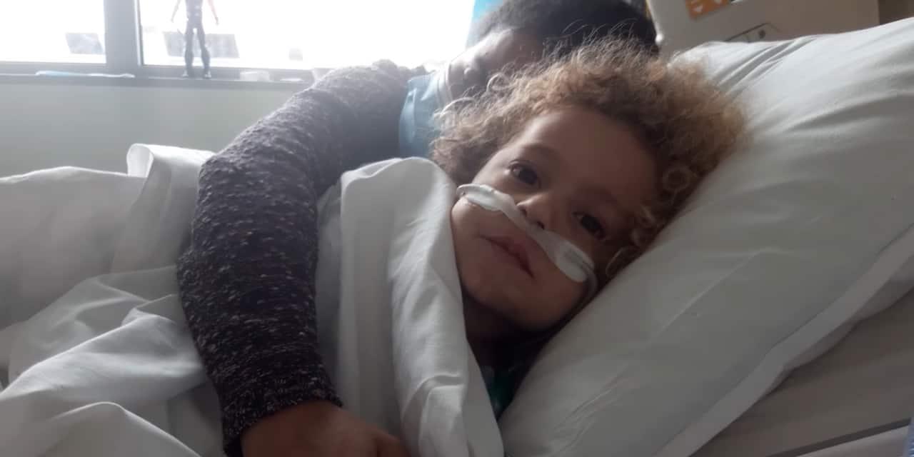 """Le papa de Kaïs, 4 ans, hospitalisé Covid aux soins intensifs : """"mon fils agonise sur son lit d'hôpital, parents, ne croyez pas que la maladie ne peut pas toucher vos enfants !"""""""