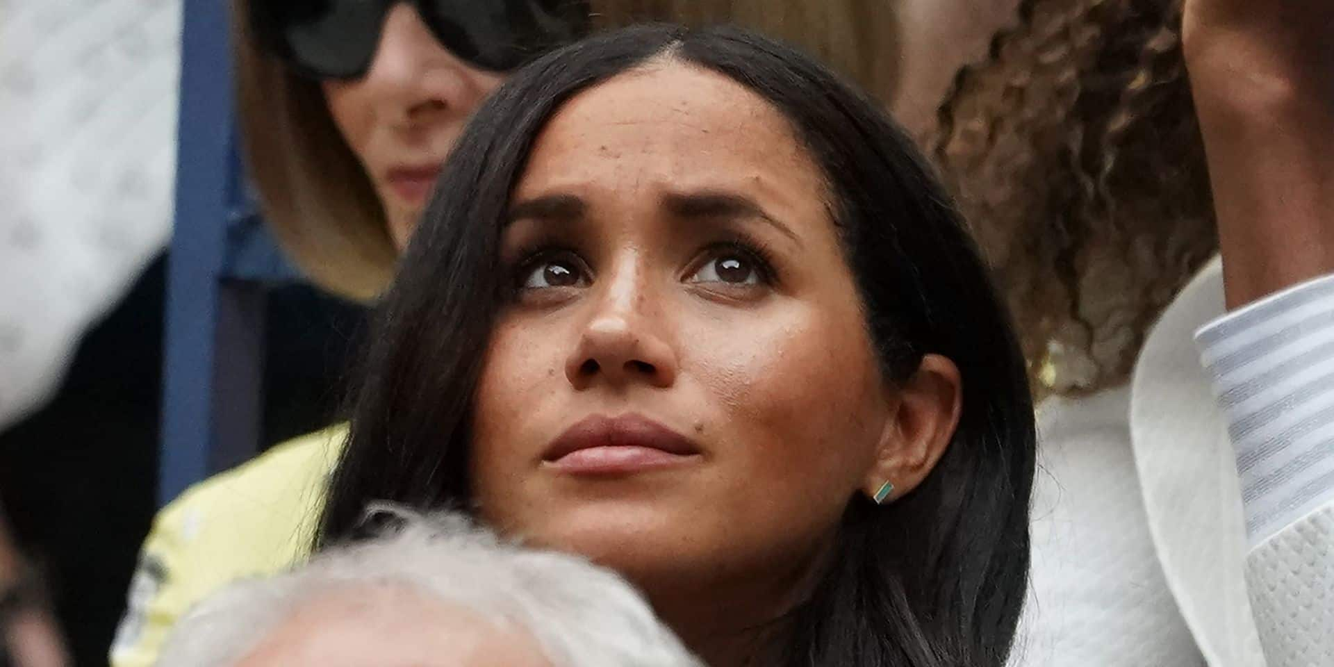 """""""Campagne de dénigrement calculée"""": Meghan Markle fustige les nouvelles accusations de harcèlement à son encontre"""