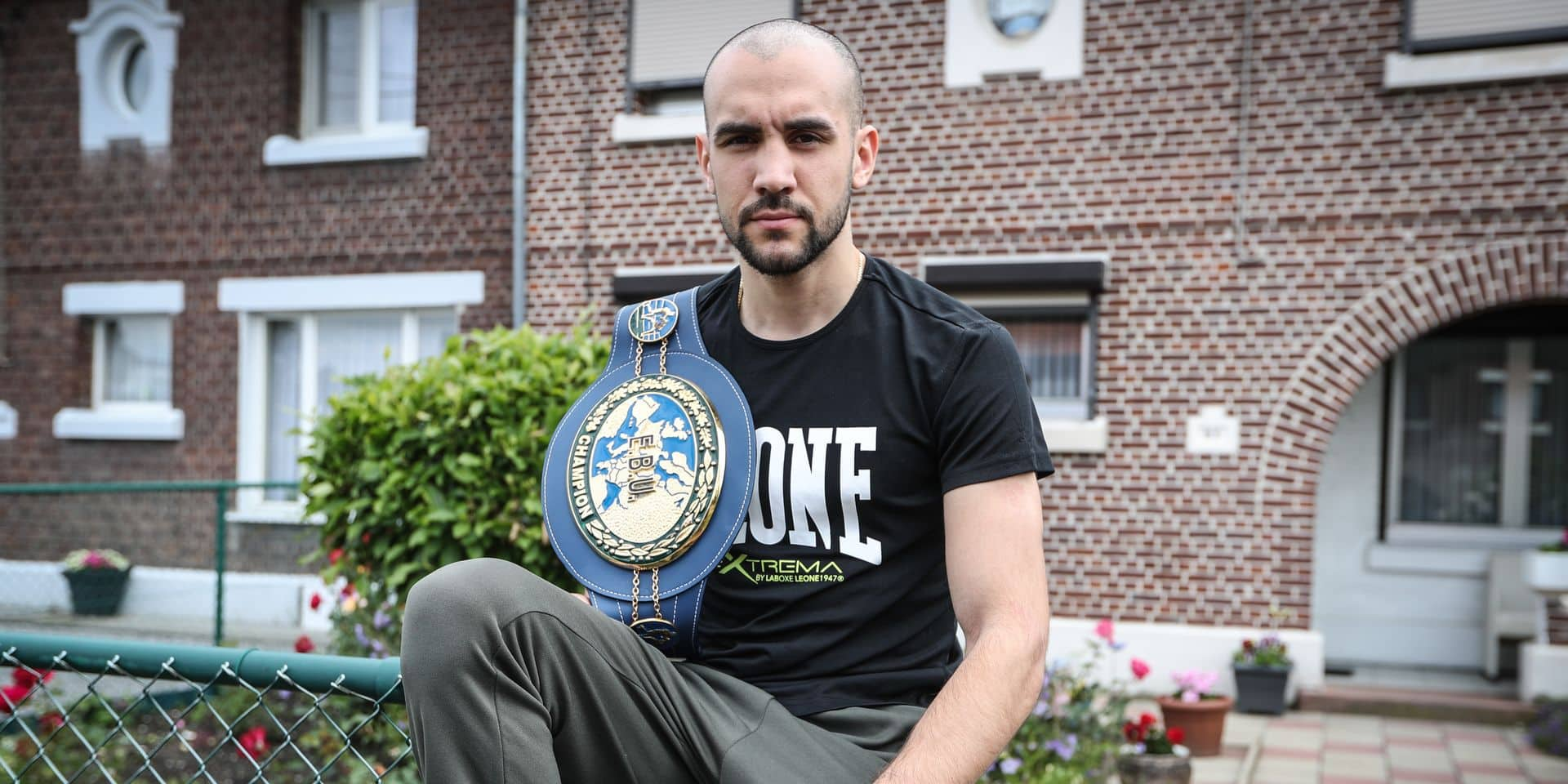 Photos Bernard Demoulin : Boxe : Francesco Patera champion d'Europe des poids legers