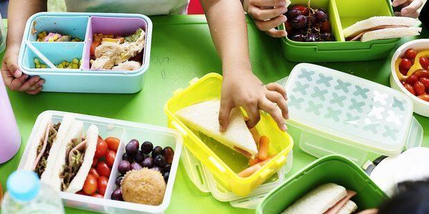 Tartines au fromage ou au choco: les habitudes des écoliers Belges s'encroûtent - La DH