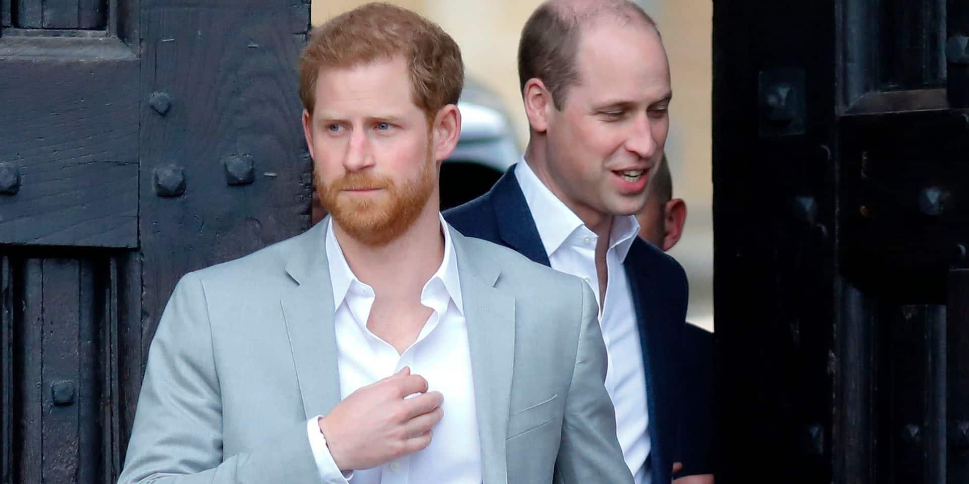 """""""Un homme extraordinaire"""" et """"un maître du barbecue"""": William et Harry rendent hommage leur grand-père Philip"""