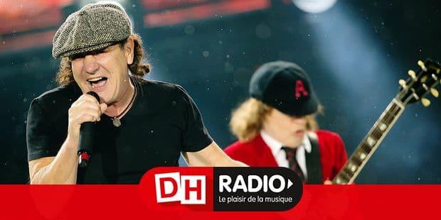 Der Sänger Brian Johnson (l) und der Gitarrist Angus Young der australischen Rockband AC/DC stehen am 19.05.2015 in München (Bayern) im Olympiastadion auf der Bühne. Foto: Sven Hoppe/dpa - NO WIRE SERVICE - Reporters / DPA