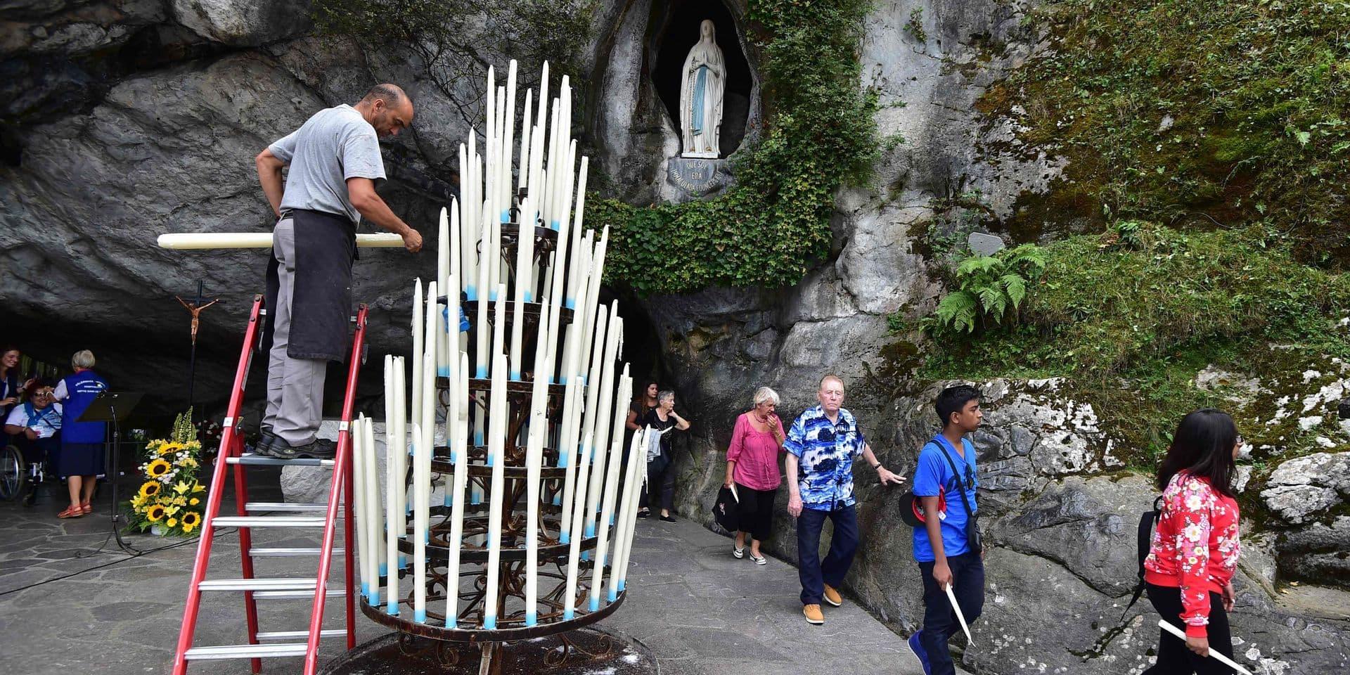 """La femme qui s'était dénudée à Lourdes voulait """"incarner la Vierge"""" dans un geste politique (PHOTO)"""