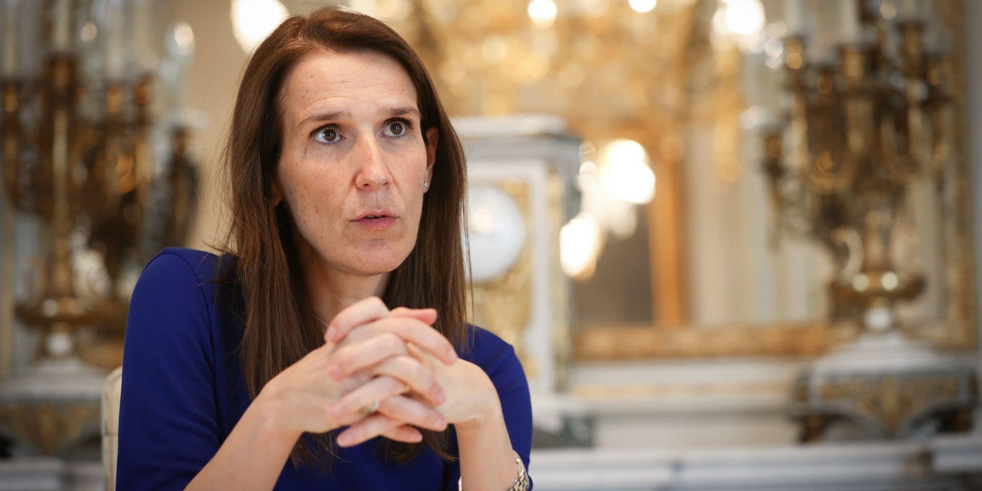 """Sophie Wilmès à La DH : """"Il y avait urgence à ouvrir les réunions avec les proches plus tôt que ce que les experts avaient prévu au départ"""""""