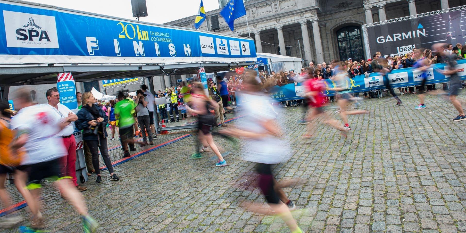 Pas de photo-finish pour les coureurs à pied mais une puce dans le dossard et un tapis: quels avantages et quels inconvénients?
