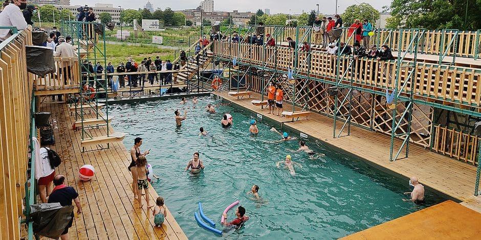 Horaires séparés pour les femmes, burkini... La piscine à ciel ouvert d'Anderlecht fait débat, le monde politique réagit