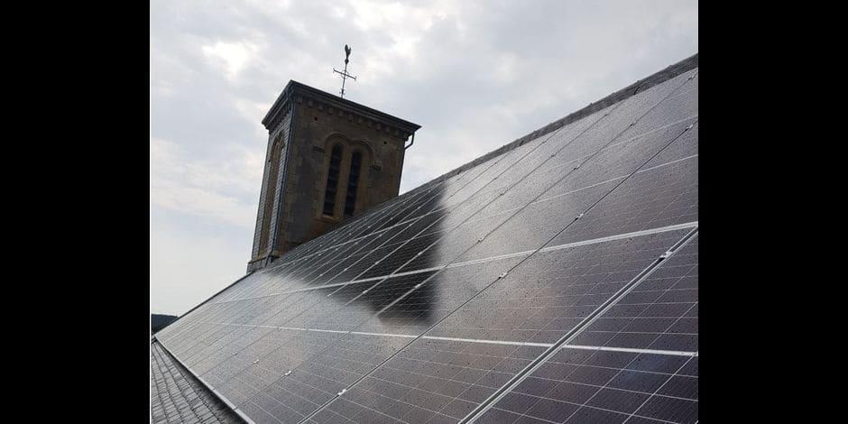 J'aime ma commune / Fauvillers : 57 panneaux photovoltaïques sur le toit de l'église
