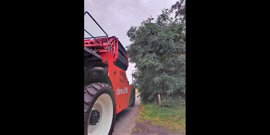 """Les agriculteurs en ont marre des branches qui abîment leur matériel: """"On se sent laissés-pour-compte"""""""