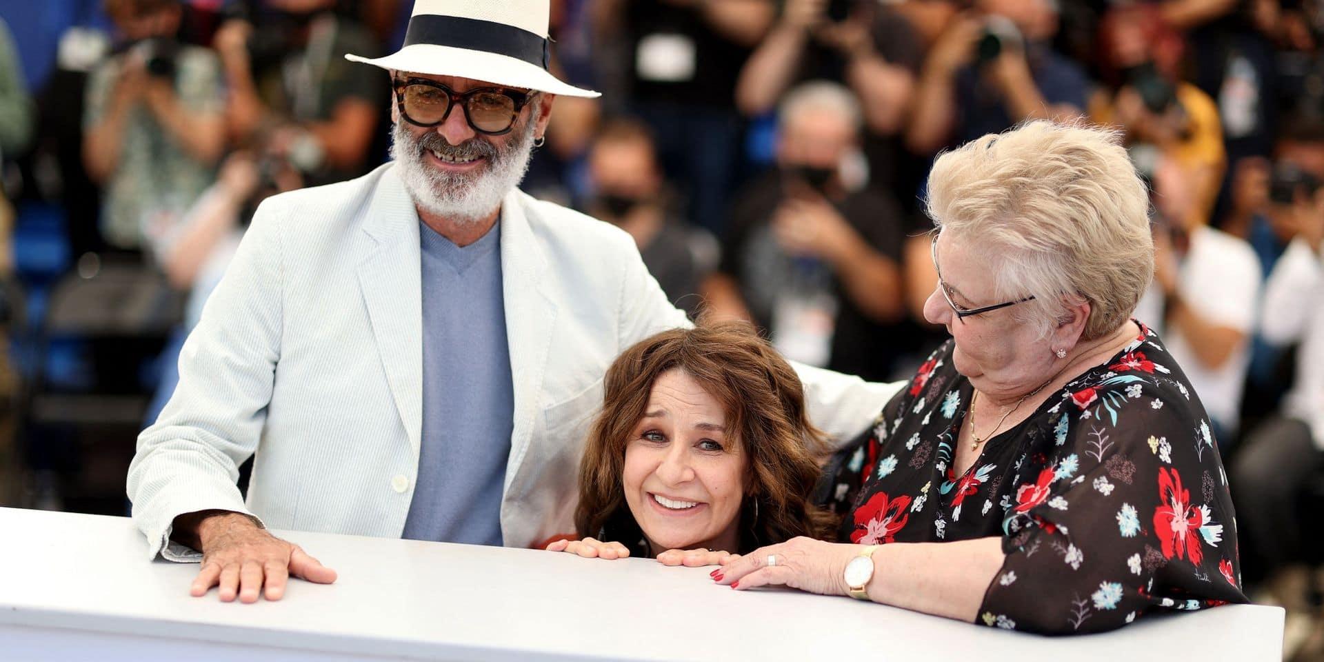 """Valérie Lemercier a présenté Aline à Cannes, son hommage à Céline Dion: """"Je pense qu'un beau mensonge, c'est mieux qu'une petite vérité."""""""