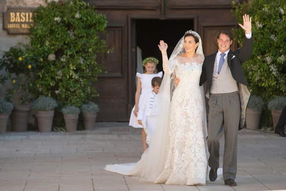 Cette robe incroyable, que Claire de Luxembourg a porté en septembre 2013, est une création du couturier libanais Elie Saab.