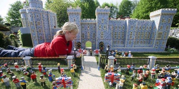 Au Legoland de Windsor, on peut déjà assister au mariage de Meghan et Harry - La DH