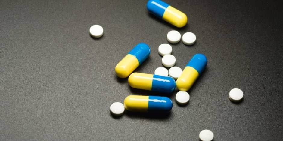 Ecstasy, speed, amphétamines vendus en association et à des mineurs : 3 ans de prison avec sursis et une peine de travail de 180 heures
