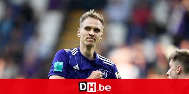 Anderlecht's Lukasz Teodorczyk celebrates after scoring during the Jupiler Pro League match between RSC Anderlecht and KRC Genk, Sunday 20 May 2018 in Brussels, on the tenth and last day of the Play-Off 1 of the Belgian soccer championship. BELGA PHOTO YORICK JANSENS