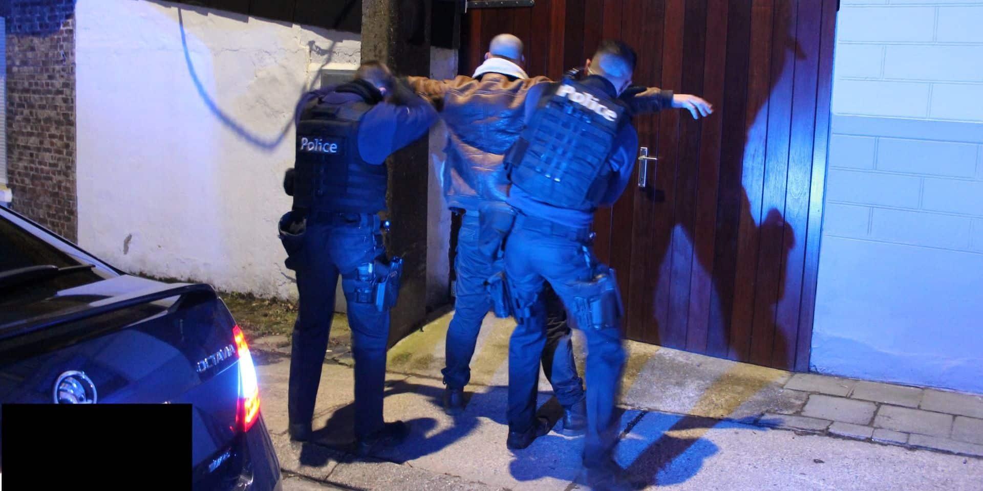 Opération de contrôles dans le Borinage: une quinzaine de PV judiciaires dressés