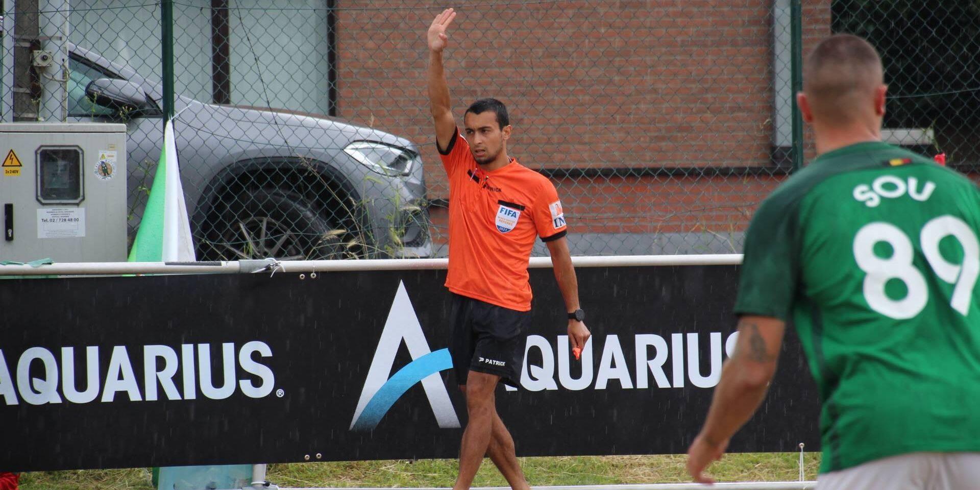 """L'arbitre liégeois Mehdi Sayoud à l'Euro Winners Cup de beach soccer: """"Ce qu'il m'arrive est incroyable"""""""