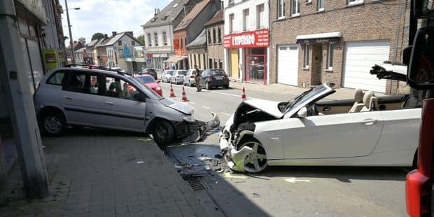 Quiévrain: trois blessés dans une collision frontale - La DH