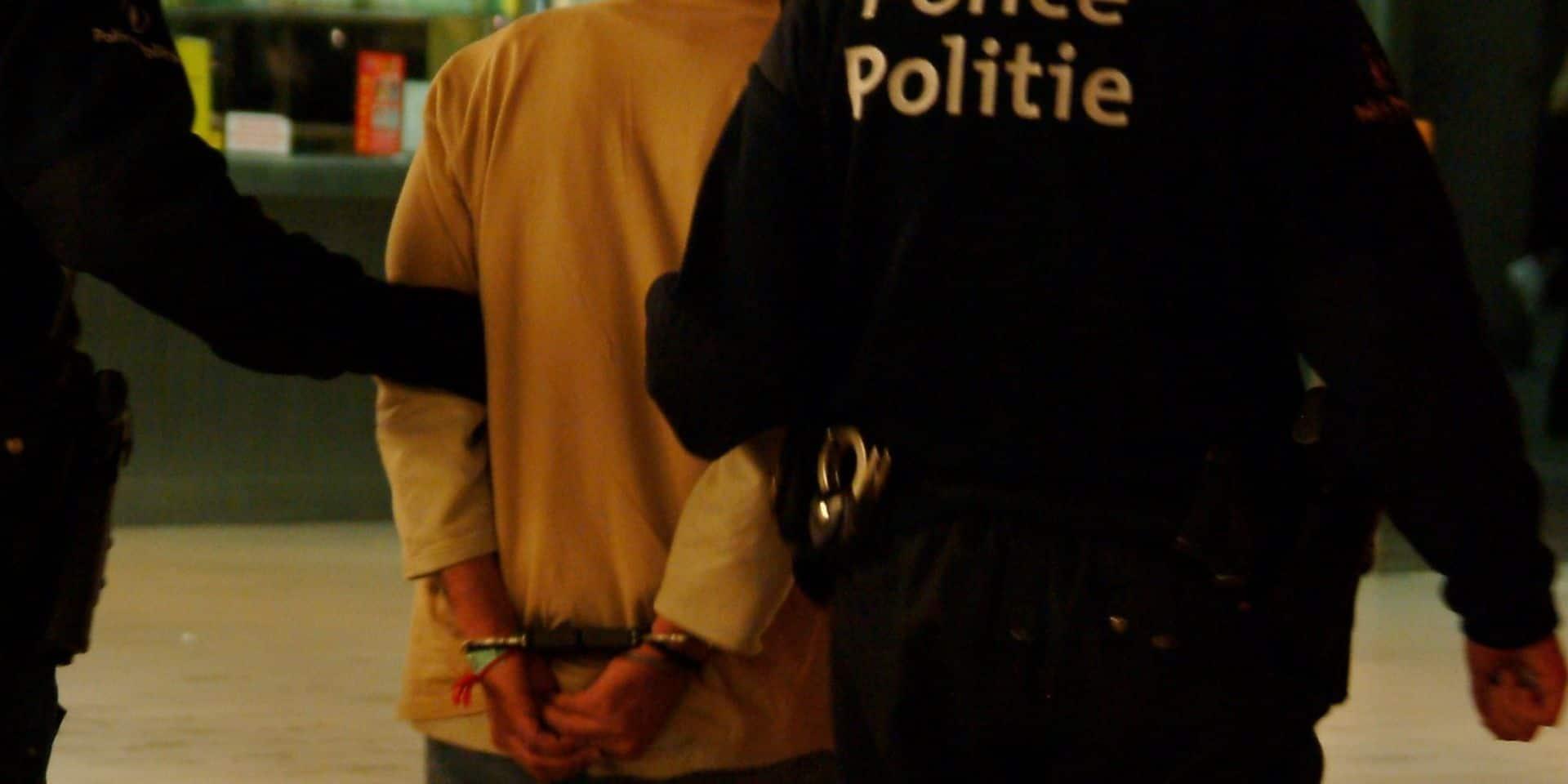 Un entraîneur filmait dans les vestiaires et partageait les images sur un forum voyeuriste: 30 mois de prison