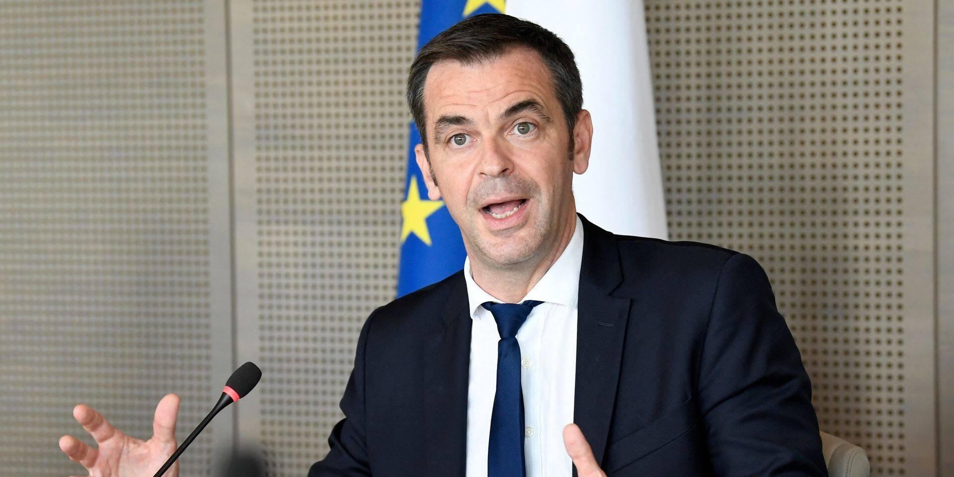 """Les contaminations explosent à nouveau en France: 18.000 cas dans les dernières 24 heures, """"stabilisation prudente"""" au Pays-Bas"""