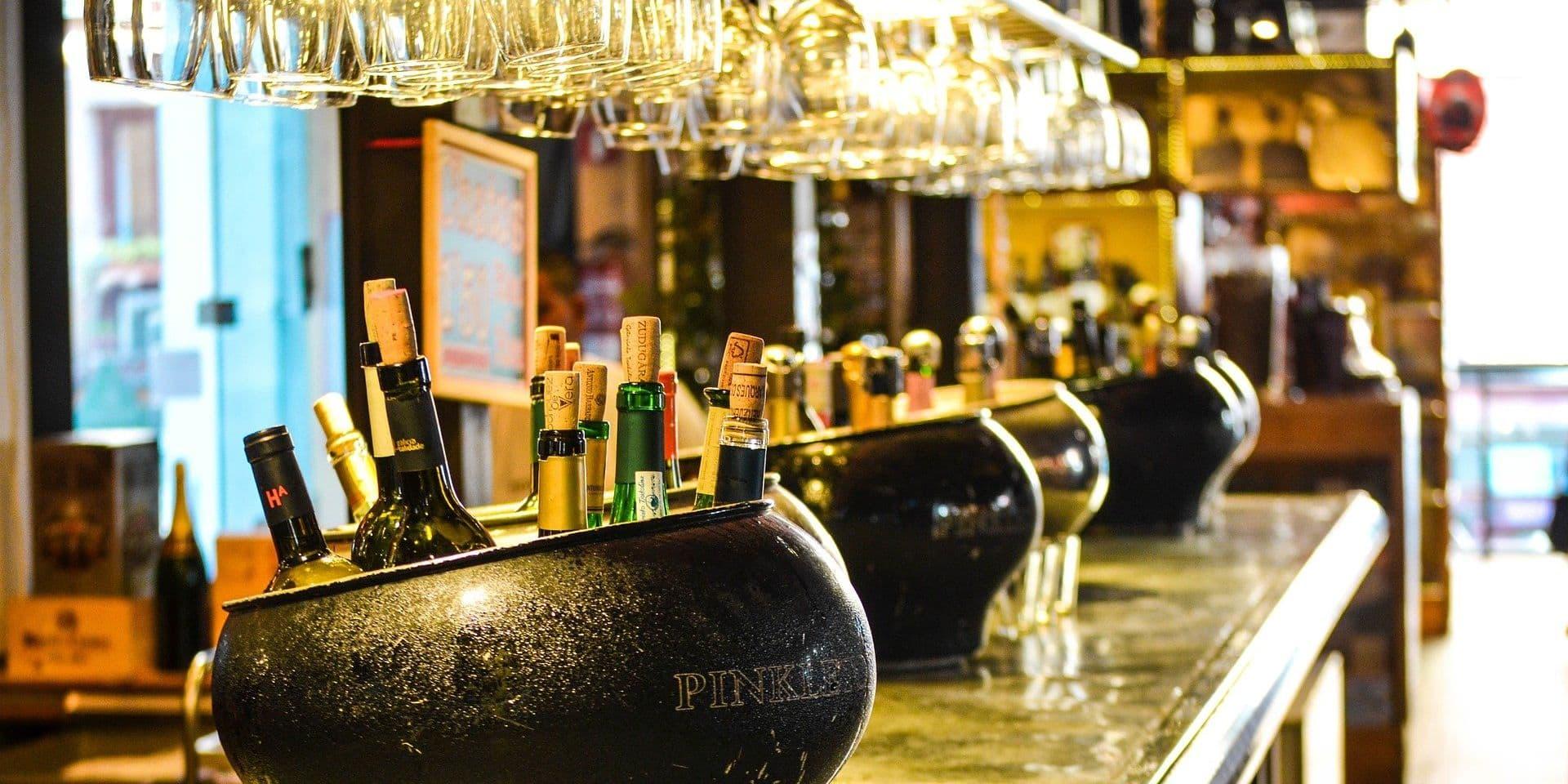 L'horeca peut vendre de l'alcool à emporter jusqu'à 20h00