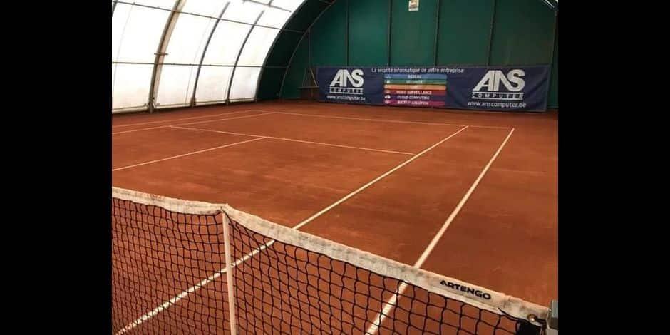 """Des décisions illogiques pour le tennis: """"Même en enlevant une partie de la bulle, ça reste considéré comme de l'indoor"""""""