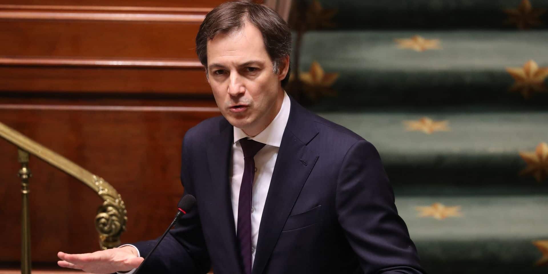 """""""La situation est explosive"""", """"des mesures insuffisantes"""": le gouvernement De Croo sous le feu des critiques à la Chambre"""