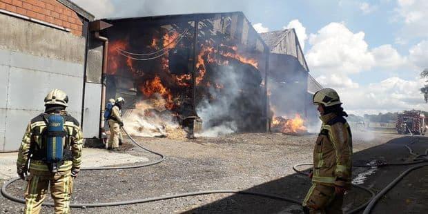 300 tonnes de paille parties en fumée dans une ferme du Roeulx - La DH
